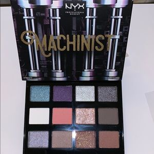 Nyx machinist eyeshadow palette